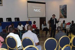 """Termina com sucesso o ciclo de Conferências """"Desafios da Educação na África"""", em Moçambique"""