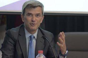 Assistência massiva na conferência de Maurizio Battino em Santander (Espanha)