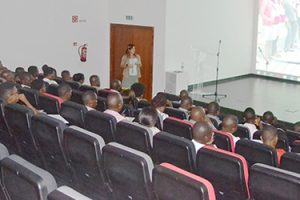 FUNBER ministra conferencia sobre cooperação internacional em Ondijva