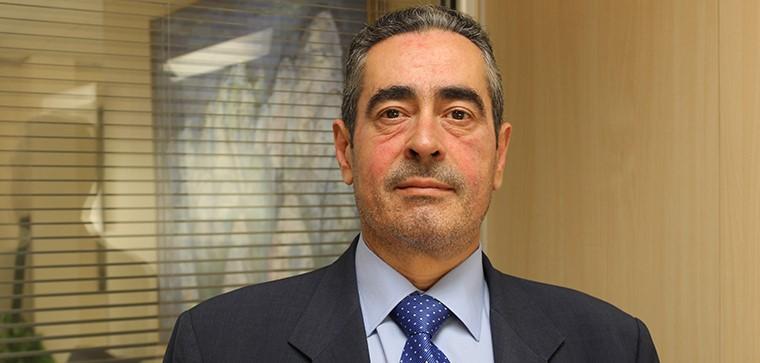 Palestra do Professor Luis Jiménez Romero em conferência online sobre estudos jurídicos